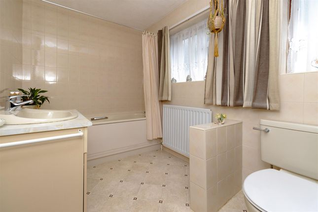 Bathroom of Carrington Avenue, Borehamwood WD6