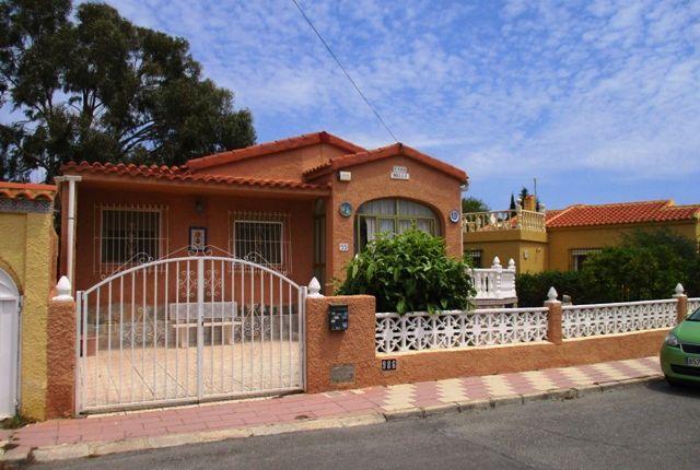 Thumbnail Villa for sale in Urbanización La Marina, Costa Blanca South, Costa Blanca, Valencia, Spain