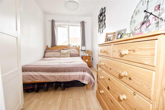 High Street Waltham Cross Hertfordshire En8 2 Bedroom