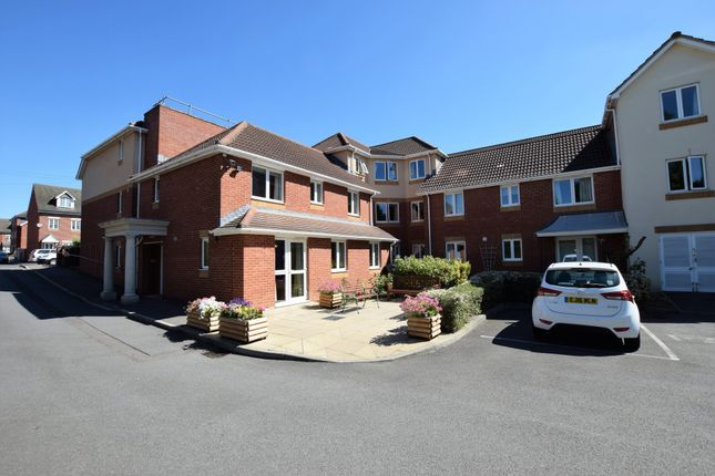 Thumbnail Property for sale in Victoria Road, Farnborough