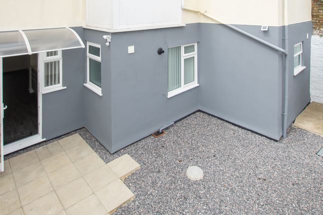 Thumbnail Flat to rent in Canada Road, Walmer