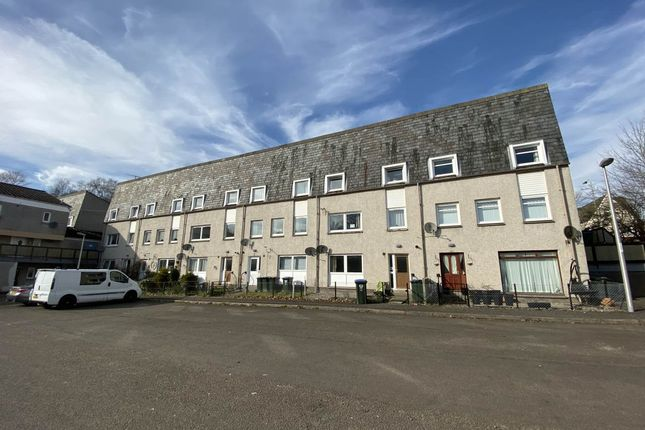 3 bed flat to rent in Catmoor Court, Scone, Perth PH2