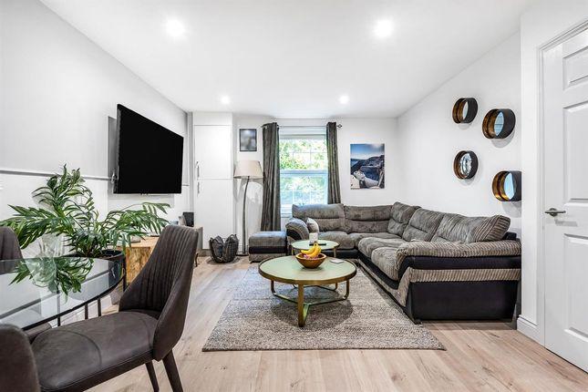 2 bed flat for sale in Speldhurst Road, Southborough, Tunbridge Wells TN4
