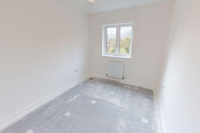 2 bedroom flat for sale in The Moorings, Bristol