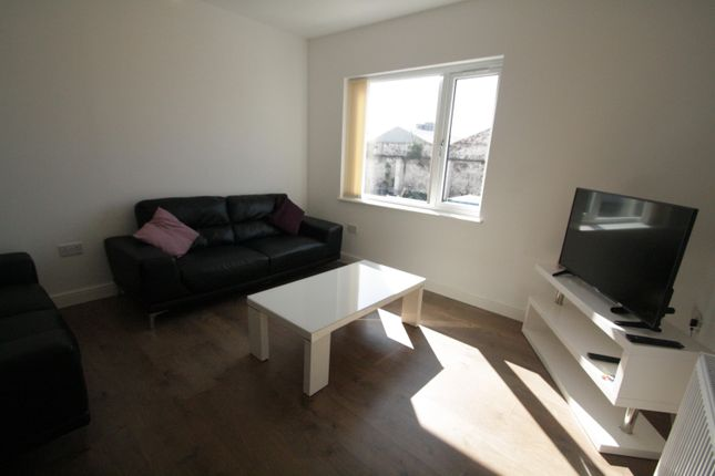 Terraced house to rent in Paul Street, Liverpool