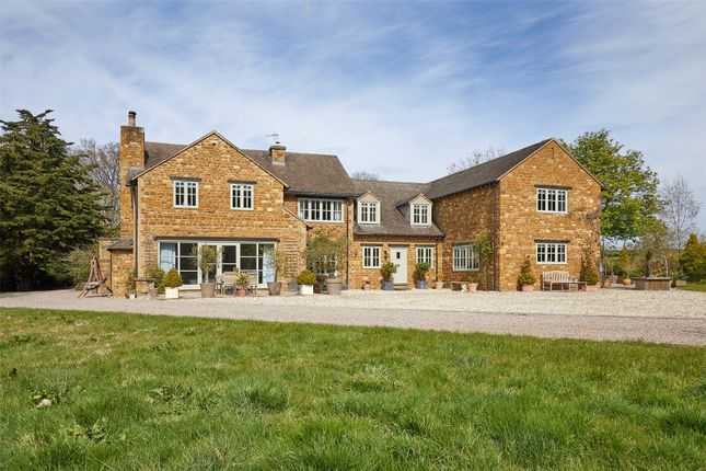 Thumbnail Detached house for sale in Banbury Road, Pillerton Priors, Warwick
