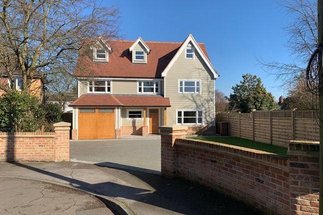 Thumbnail Detached house for sale in North Drive, Great Baddow, Chelmsford