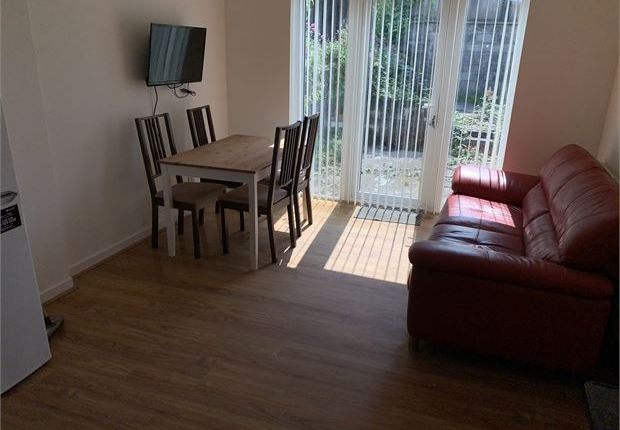 4 bed shared accommodation to rent in Clarence Street, Swansea SA1
