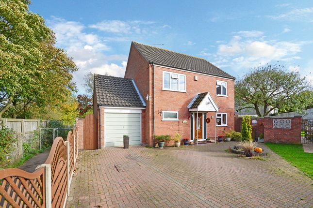 Thumbnail Detached house for sale in Roydon, Diss