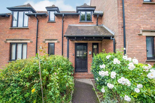 Thumbnail Property for sale in Parsonage Court, Highworth, Swindon