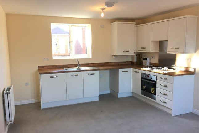 Flat to rent in Anglian Way, Coventry