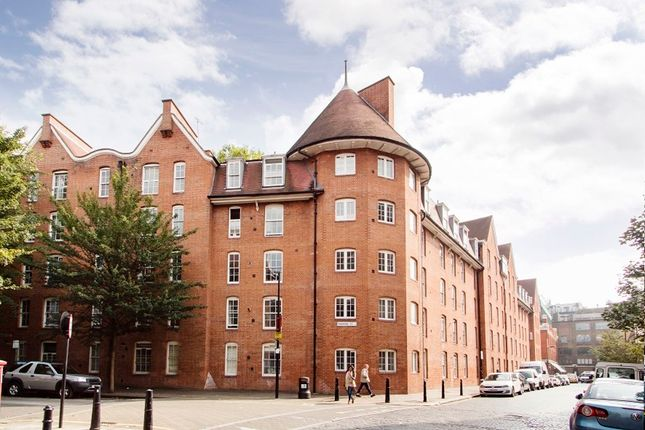 Thumbnail Flat for sale in Abingdon House, Shoreditch