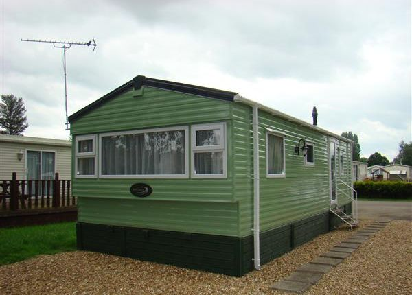 2 bed mobile/park home for sale in Crow Lane, Little Billing, Northampton