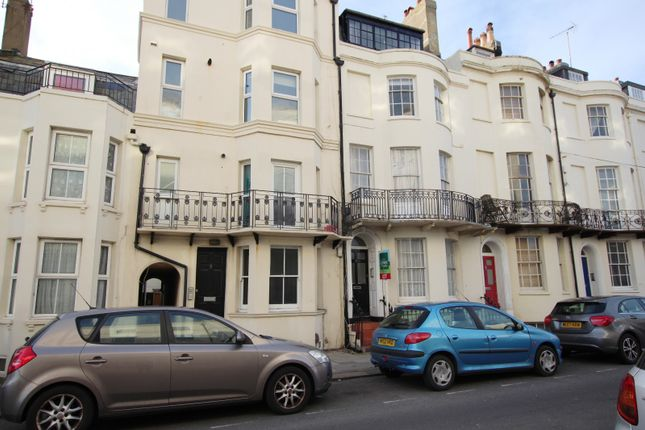 2 bed maisonette to rent in West Buildings, Worthing
