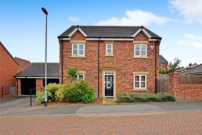 Thumbnail Detached house to rent in Links Way, Drighlington, Bradford