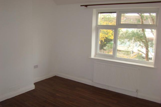 Thumbnail Property to rent in Woodrow Avenue, Hayes, Middlesex