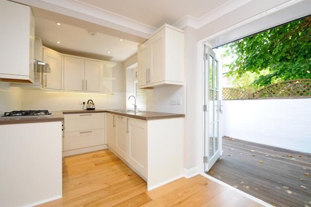 Thumbnail Cottage to rent in Audley Road, Richmond