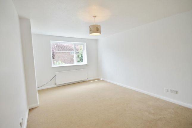 Thumbnail Flat to rent in North Lane, Aldershot