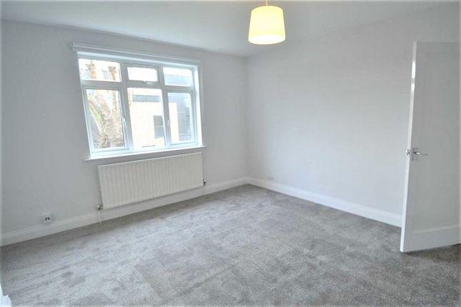 Thumbnail Flat to rent in Pennington Way, London