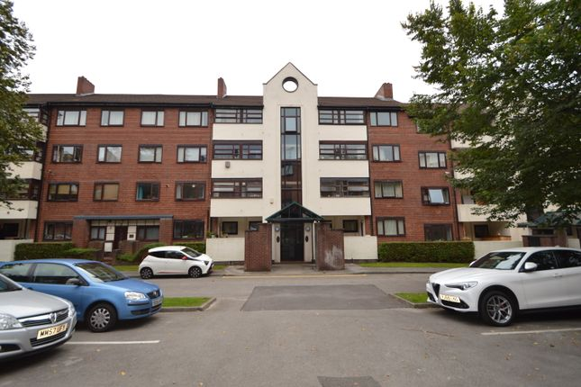 4 bed flat for sale in Asgard Drive, Salford M5