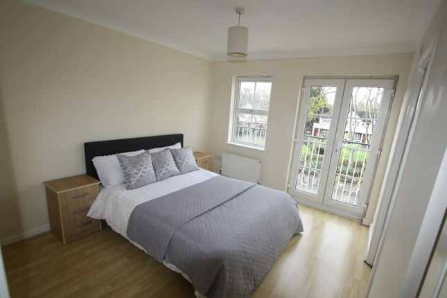 Room to rent in Manchester Road, Isle Of Dogs