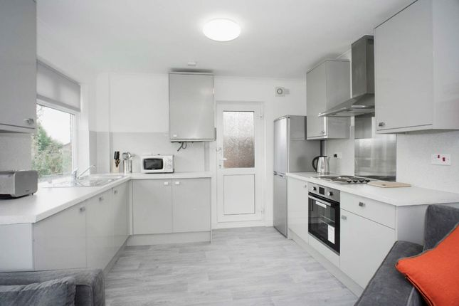 Thumbnail Detached house to rent in Charnwood Avenue, Beeston, Nottingham
