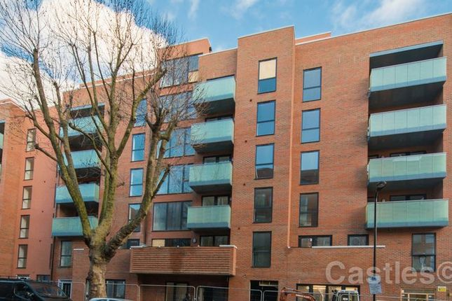 2 bed flat for sale in Bathurst Square, London
