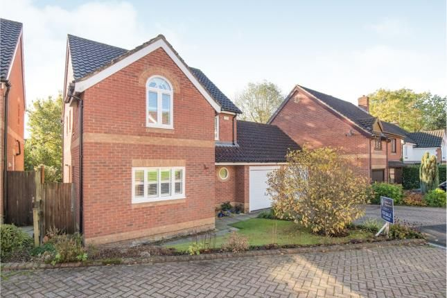 Thumbnail Detached house for sale in Magnolia Close, Heathfield, East Sussex, England