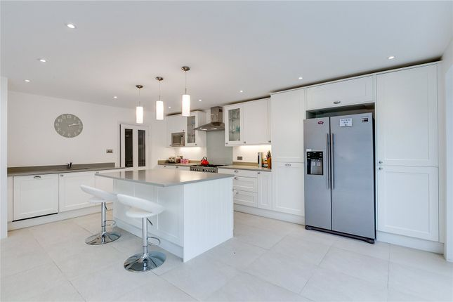 4 bed end terrace house for sale in Foxbourne Road, London