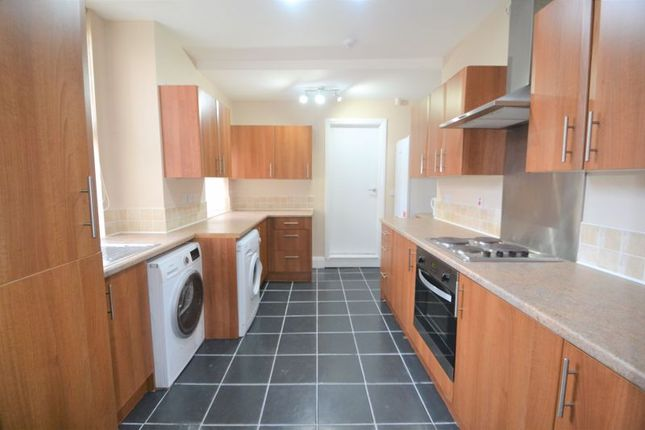 Thumbnail Semi-detached house to rent in Trafalgar Road, Salford