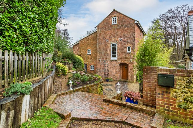 Thumbnail Barn conversion for sale in Ide Hill Road, Four Elms