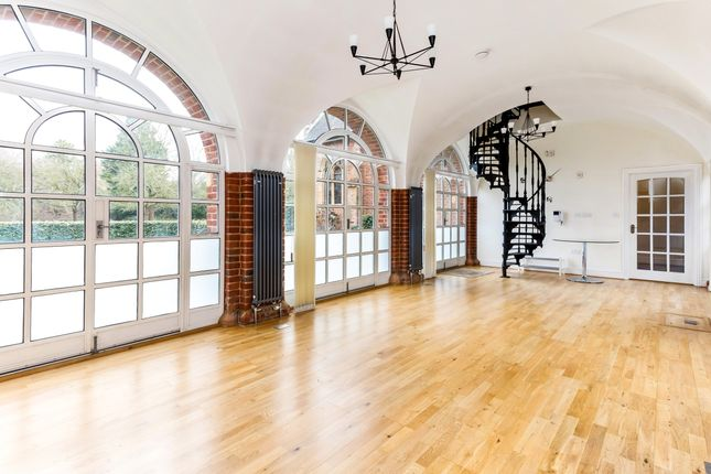 Thumbnail Flat to rent in Hatch Lane, Windsor