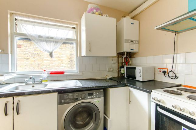 Thumbnail Flat to rent in Chingford Road, Walthamstow
