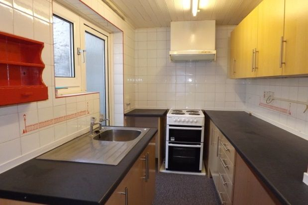 Thumbnail Cottage to rent in Providence Street, Plymouth