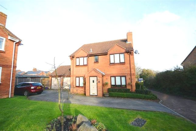 Thumbnail Detached house for sale in Emmets Nest, Binfield, Bracknell
