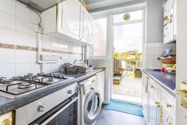 3 bed end terrace house to rent in Cleveley Crescent, Ealing W5