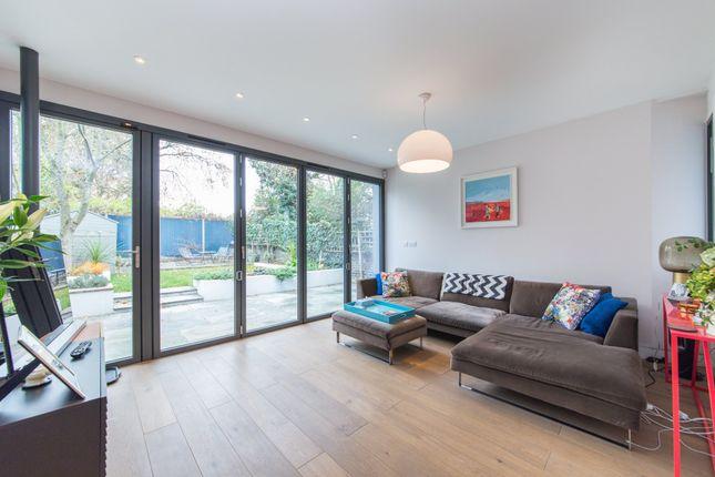 Thumbnail Flat to rent in Savernake Road, London