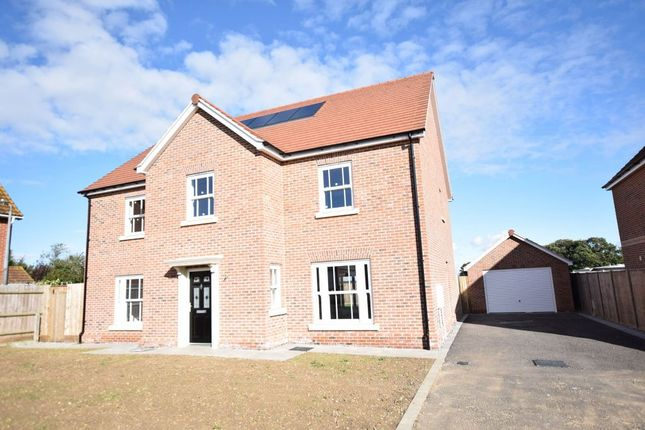 Thumbnail Town house for sale in Aldrich Close, Kirby Cross, Frinton-On-Sea