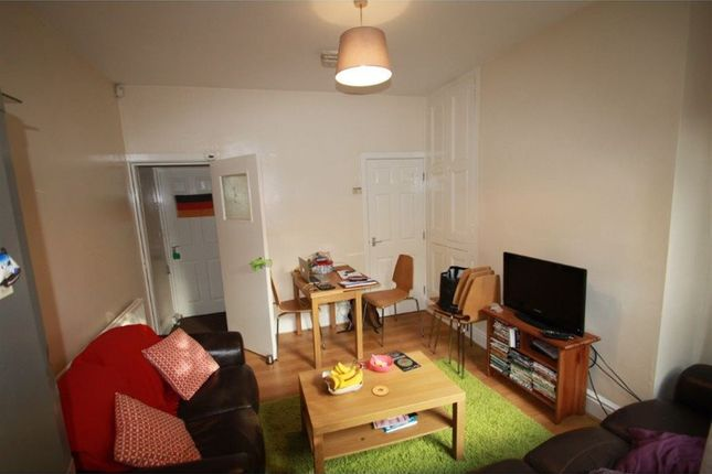 Thumbnail Bungalow to rent in Modern 5 Bed, Burns Road, Crookesmoor