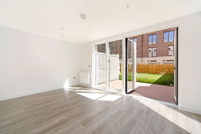 Thumbnail Terraced house to rent in Keirin Road, London