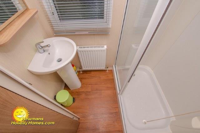Main Bathroom of The Willows, Sandy Bay, Exmouth EX8