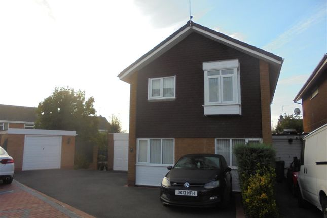 3 bed detached house for sale in Osborne Close, Kidderminster