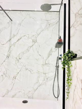 Feature Shower Area