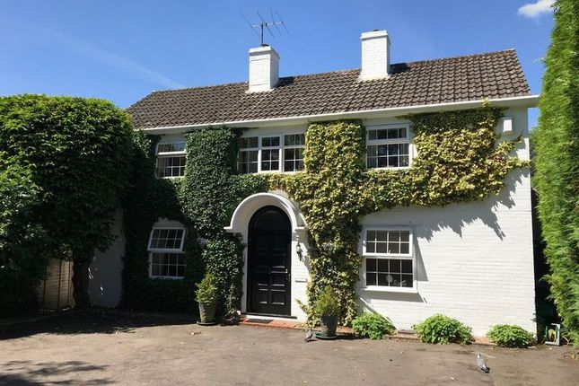 Thumbnail Detached house for sale in Ship Street, East Grinstead, West Sussex