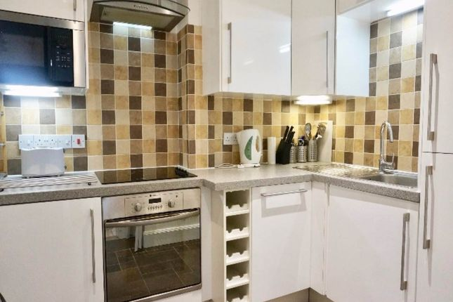 33 Comely Kitchen