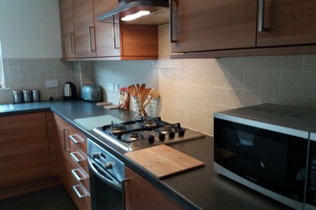 Thumbnail Flat to rent in Mill Street, Kirkcaldy, Fife
