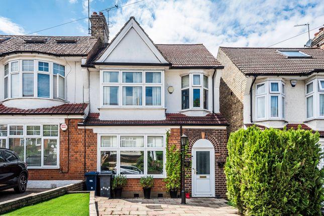 3 bed end terrace house for sale in Eton Avenue, Barnet EN4