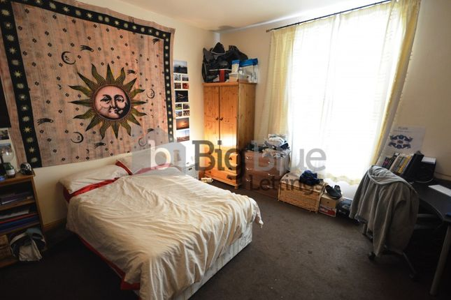 Thumbnail Terraced house to rent in 29 Ash Grove, Hyde Park, Seven Bed, Leeds