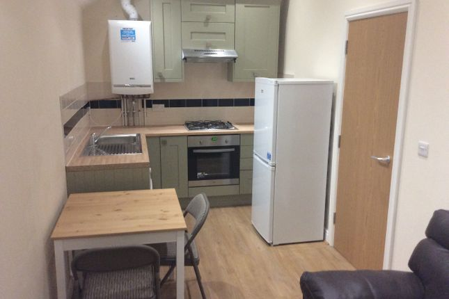 Thumbnail Flat to rent in Colum Road, Cardiff