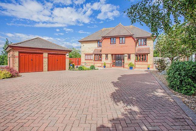 Thumbnail Detached house for sale in Oak Road, Brackley